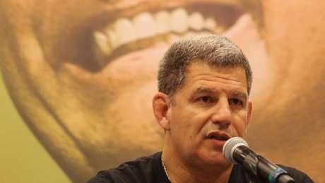 'Hoje posso dizer que sou, de forma hétero, apaixonado por Jair Bolsonaro', declarou Bebianno no lançamento da candidatura