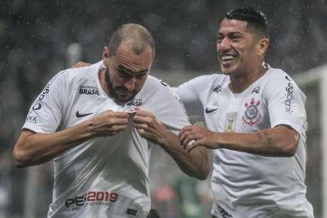 Danilo foi herói, vilão e novamente herói na vitória do Corinthians sobre o Bahia por 2 a 1, neste sábado, em Itaquera, pelo Campenato Brasileiro
