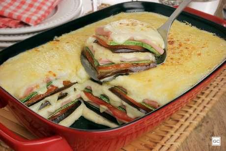 Lasanha de legumes com molho branco