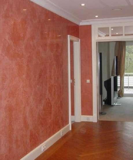 8- O marmorato é uma textura que realça as paredes. Fonte: Habitissimo