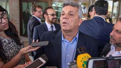 Deputado Alberto Fraga, da chamada bancada da bala, quer votar em novembro na Câmara a revisão do Estatuto do Desarmamento