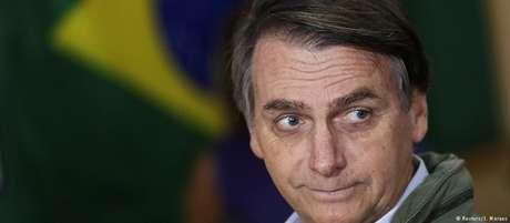 Bolsonaro vota no segundo turno das eleições em escola do Rio de Janeiro