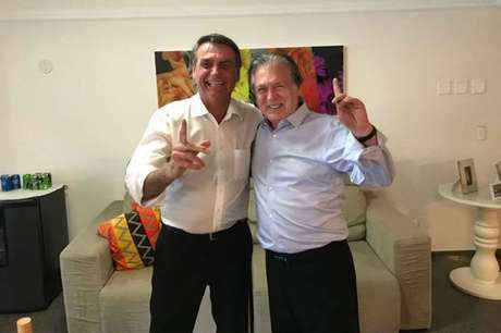 O presidente eleito Jair Bolsonaro (PSL-RJ) e o fundador do PSL, Luciano Bivar