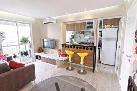 7. Decoração simples para cozinha americana com sala integrada – Foto: Pinterest
