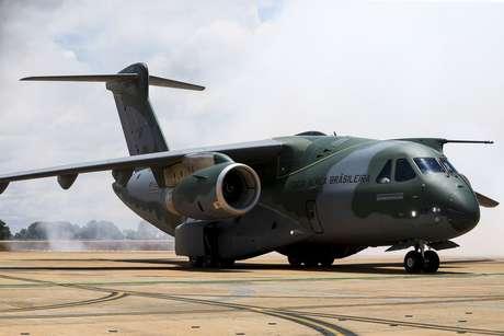 Presidente eleito Jair Bolsonaro tem autorização para usar aviões da FAB