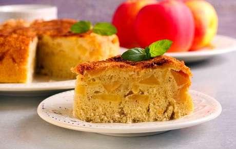 Fatia de bolo de maçã simples