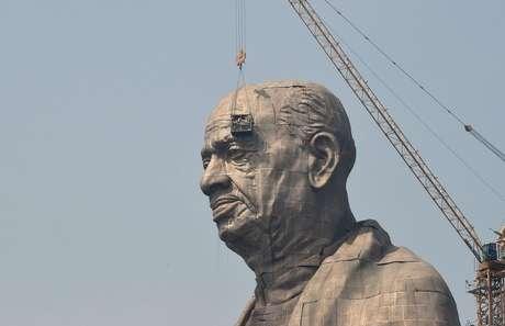 A estátua de Sardar Vallabhbhai Patel tem 182 metros de altura