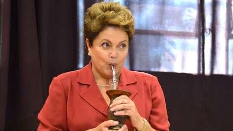 Foi durante o governo de Dilma Rousseff, ex-guerrilheira e vítima de tortura, que Bolsonaro ascendeu na mídia