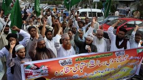 Grupo pede condenação de Asia Bibi em Lahore, no Paquistão; leis de blasfêmia têm defensores fervorosos no país