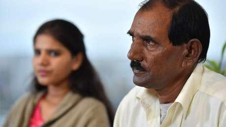 Marido e filha de Asia Bibi dizem temer pela segurança da mulher no Paquistão