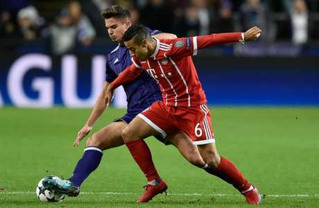 O Bayern venceu o Rödinghausen por 2 a 1, fora de casa (Foto: John Thys / AFP)
