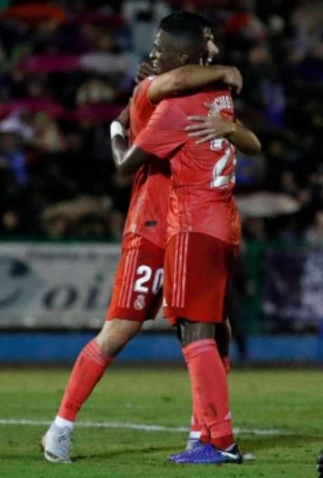 Veja imagens de Vinicius Junior contra o Melilla