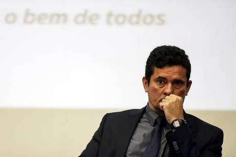 Moro afirma que 'refletirá' sobre convite de Bolsonaro