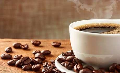 Café no pré-treino: os benefícios que melhoram sua performance