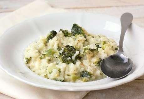 Prato com risoto de brócolis com queijo minas