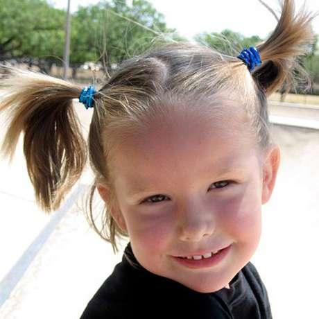 Ella, aos quatro anos, idade em que morreu: 'Ella era extrovertida, teimosa e determinada', diz a mãe