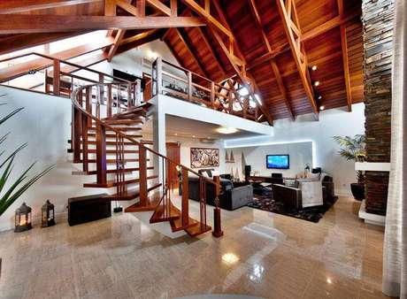 5. Mezanino com escritório decora casa rústica