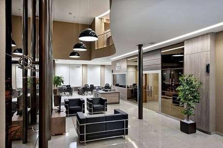 29. Ambiente comercial com um espaço elegante e confortável com área superior