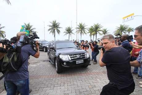 Juiz federal Sergio Moro, da 13ª Vara Federal de Curitiba, chega à casa do presidente eleito Jair Bolsonaro (PSL) na Barra da Tijuca, Zona Oeste do Rio de Janeiro (RJ), na manhã desta quinta-feira (1)