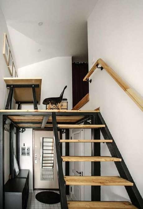 49.O mezanino pode ser construído em pequenos espaços para acomodar saletas de estudo. Fonte: IdeiasDecor
