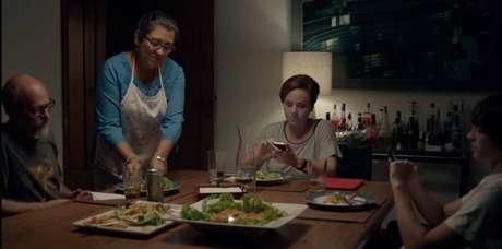 A professora Carol Mendonça, do site Português para Desesperados, escolheu o filme 'Que horas ela volta?', dirigido por Anna Muylaert e protagonizado por Regina Casé