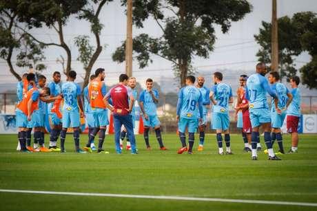 Raposa só será definida horas antes do duelo com o Coelho- (Foto: Vinnicius Silva / Cruzeiro)