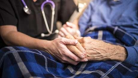 A doença de Parkinson afeta o movimento, os sentidos, a memória e o estado de ânimo das pessoas