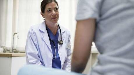 O médico pode dar orientações sobre como você deve agir