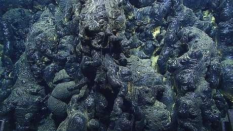 A lava submarina também tem aspecto de vidro