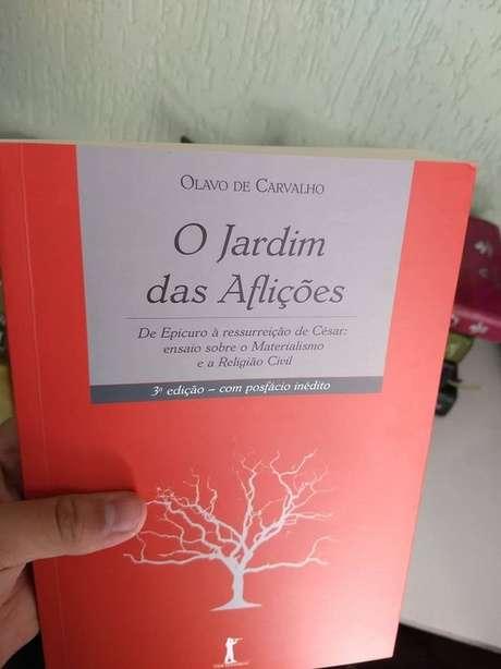 André diz que Olavo de Carvalho é uma de suas principais referências