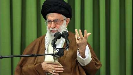 Aiatolá Khamenei afirmou, em discurso, que os EUA 'não restabelecerão a dominação' que tinham sobre o Irã