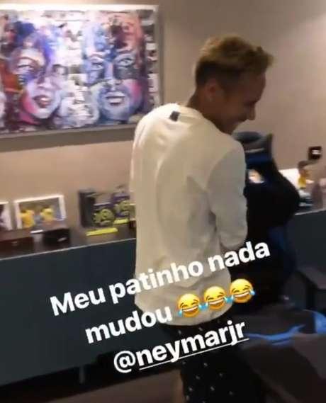Neymar tinha quadro de Bruna Marquezine no escritório (Foto: Reprodução/ Instagram)