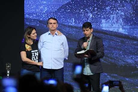 Jair Bolsonaro e a esposa participaram de culto na Igreja Batista Atitude no fim de semana