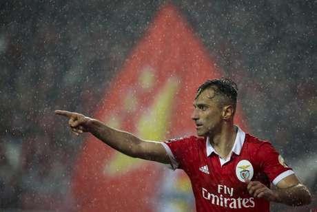 O atacante Jonas é o principal nome do Benfica (Foto: CARLOS COSTA / AFP)