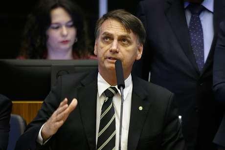 O presidente eleito Jair Bolsonaro (PSL) discursa durante sessão especial realizada no Congresso Nacional, em Brasília