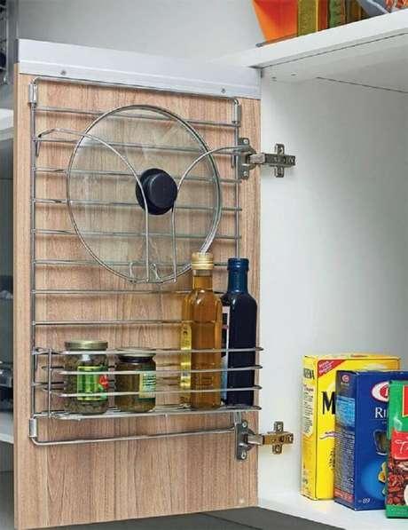 2. O aramado cozinha é perfeito para quem quer deixar os armários sempre em ordem – Foto: Pinterest