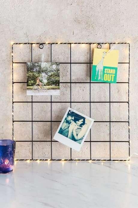 11. O painel de aramado também pode ser usado como um mural de fotos – Foto: Francesca's