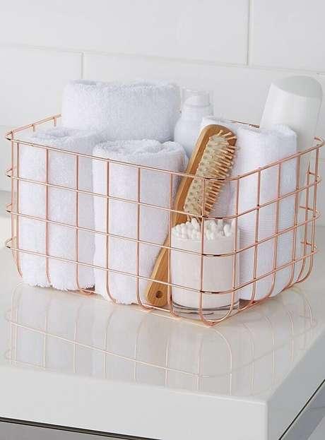 26. Delicado modelo de cesto aramado em rose gold – Foto: Pinterest