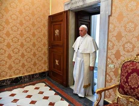 Papa Francisco é alvo de ataques de alas conservadoras do clero