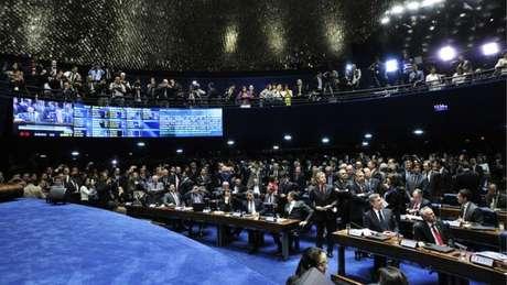 O aumento aprovado pelo plenário do Senado (foto) abre caminho para reajustes em outros poderes