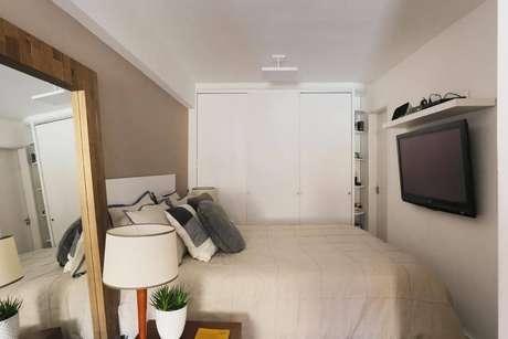 8. O guarda-roupa planejado é uma ótima alternativa para quartos pequenos. Projeto de Casa Arquitetura