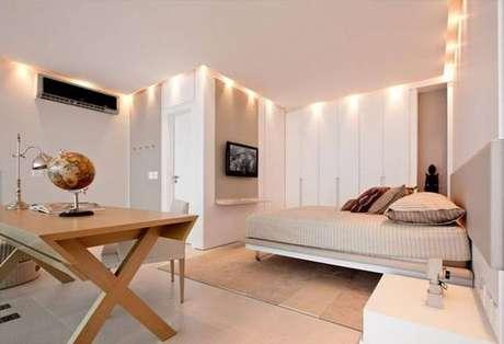 4. Aproveite o espaço do seu quarto com guarda-roupa planejado