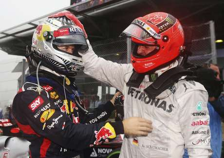 Vettel pode igualar Schumacher neste domingo