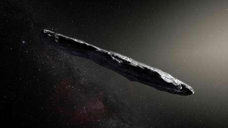 Esta é a imagem que a Agência Espacial Europeia (ESA, na sigla em inglês) fez de Oumuamua em junho passado