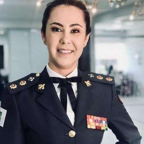 A tenente-coronel do Corpo de Bombeiros do Distrito Federal Márcia Amarílio da Cunha Silva Amarílio, por enquanto, está colaborando com a equipe de transição na área de educação