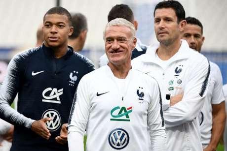 Deschamps chamou 23 jogadores para jogos em novembro (Foto: Franck Fife / AFP)
