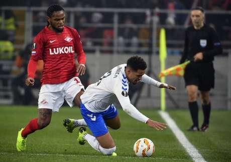 Luiz Adriano marcou nesta quinta (Foto: AFP)