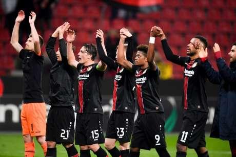 Alemães comemoram vaga na próxima fase da Liga Europa (Foto: AFP)