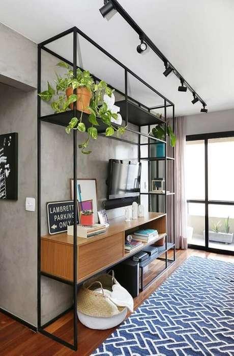 41. Luminárias de teto de spots são perfeitas para incrementar a decoração de ambientes modernos e com estilo industrial – Foto: Pinterest