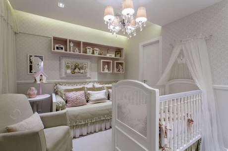 17. Luminárias de teto para quarto de bebê